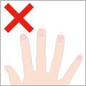 レンズを傷つける長い爪、欠けた爪はNGです